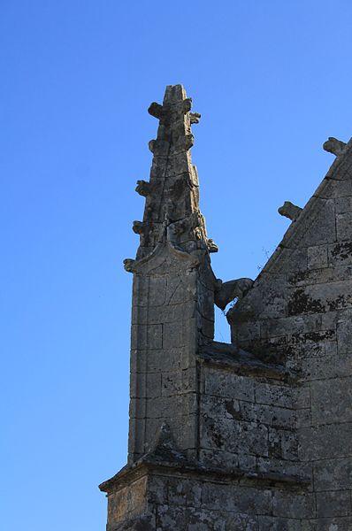 Chapelle de la Trinité (Plumergat): pinacle nord ouest