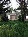 Cimitirul ostaşilor germani (1916 - 1919) - grup intrare vedere din cimitir.JPG