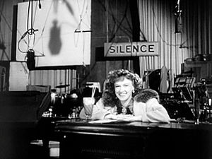 Dorothy Comingore - Dorothy Comingore on the set of Citizen Kane, in the trailer for the film (1940)