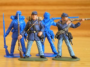 Toy soldier - Painted and unpainted plastic figures by Accurate