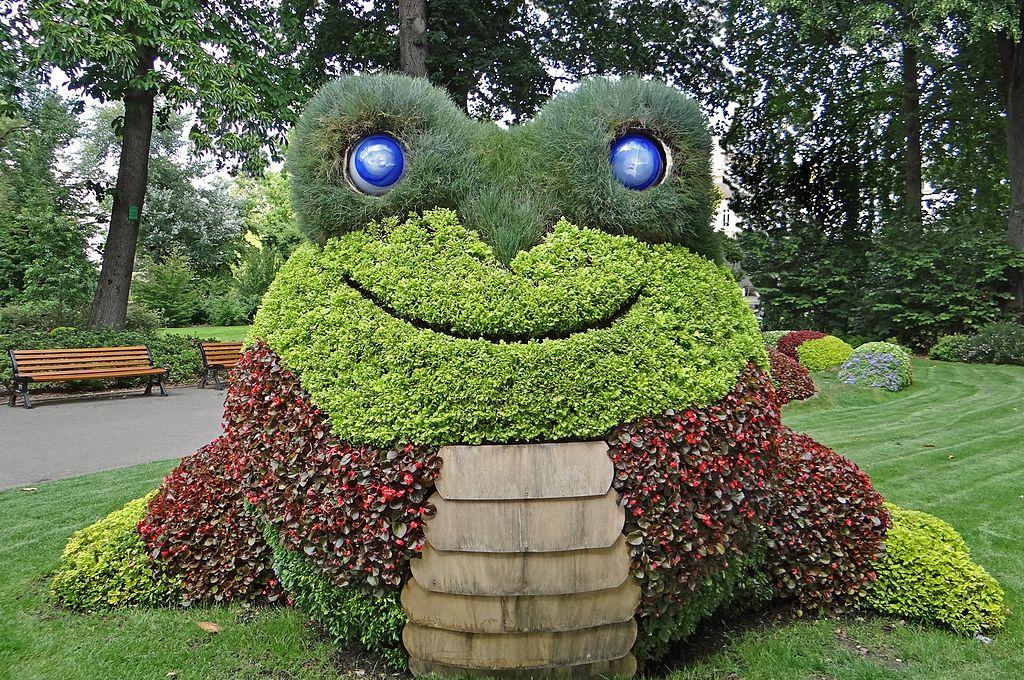 File claude ponti au jardin des plantes le voyage nantes 2014 14904995712 jpg wikimedia - Claude ponti jardin des plantes ...