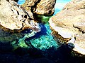 Clear turquoise water between rocks - panoramio (1002).jpg