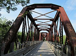 File:Closeup, Washington Secondary Trail truss bridge over South Branch,  .... By: User:Pi.1415926535|Pi.1415926535