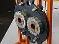 Coupe transversale de bobine pour accélérateur de particule - P1950940.jpg