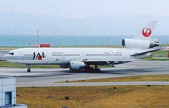 2001 Japan Airlines mid-air incident - Image: DC10 40 Japan Air Line JA8549(20010728KIX)