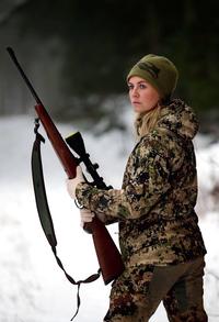Danish huntress with rifle 01.png