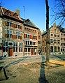 De westzijde van de Markt met v.l.n.r. de huizen 'In den Prince van Luyck , De stadt Amsterdam , De Nootstal' en 'Den Swaen' - 360940 - onroerenderfgoed.jpg