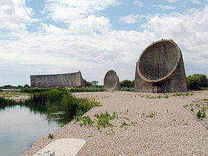 Dungeness (headland) - Acoustic mirrors at Denge