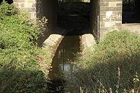 Dortmund - PW-Steinklippenweg - Eisenbahnbrücke+Emscher 02 ies.jpg