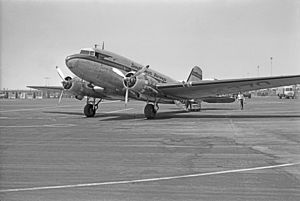 Pacific Air Lines - A Douglas DC-3 of Southwest Airways at Los Angeles International Airport (1949)