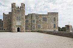 Castillo Drogo, fachada occidental, entrada, Devon