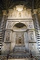 Duomo di siena, altare piccolomini.jpg