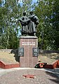 Dykivka City Centre (near Store) Brothery Grave and Monument of WW2 Warriors 02 (YDS 4177).jpg