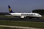 EI-DPW 737 Ryanair SCQ.jpg