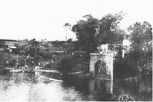 Early construction of the Jubilee Bridge.jpg