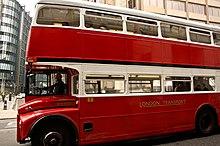 Autobus fantôme dans POLTERGEISTS et LEGENDES 220px-East_London_Routemaster_bus_RM1933_%28ALD_933B%29%2C_Ludgate_Hill%2C_heritage_route_15%2C_5_May_2011