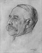 desenho de um homem idoso no perfil esquerdo;  ele tem cabelos brancos e ralos e um grande bigode