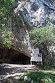 Entrée de la grotte de la Vache.jpg