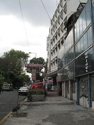 EntranceMetroJuanacatlan.JPG