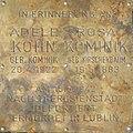 Erinnerungsstein für Adele Kohn und Rosa Kominik.jpg