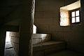 Escaliers et meurtrière dans le donjon du Château de Septmonts.jpg