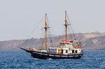 Excursion boat - Athinios port - Santorini - Greece - 07.jpg
