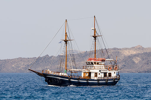 Excursion boat - Athinios port - Santorini - Greece - 07