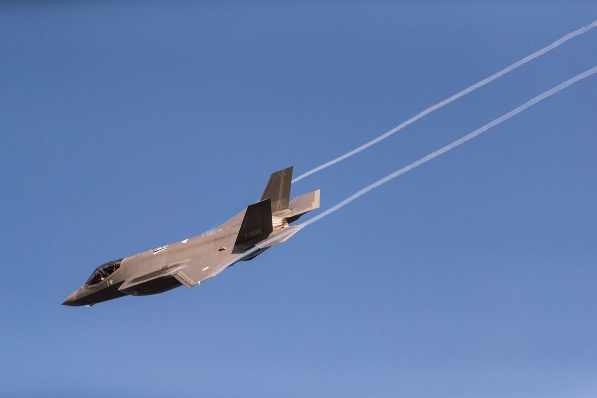 F-35 F-009 Leeuwarden Air Base-4.jpg
