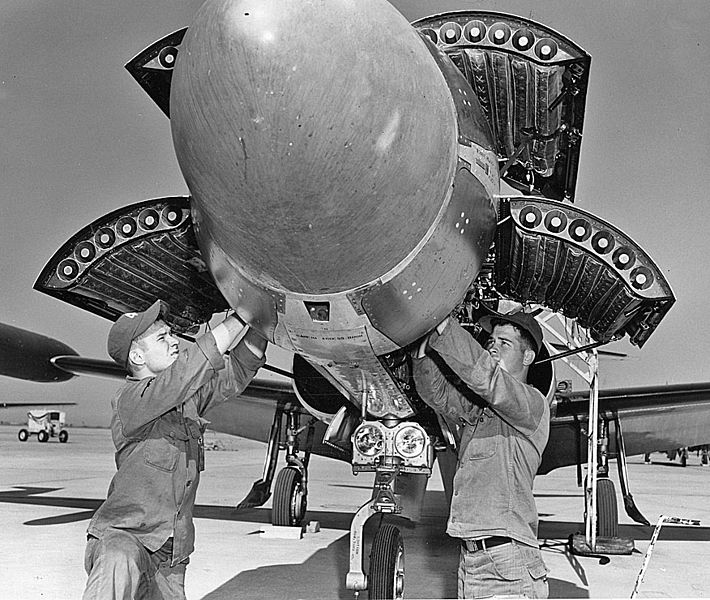 710px-F-94_rockets.jpg