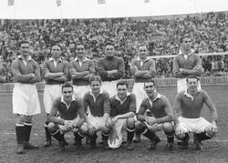 The Chelsea FC team in November 1947