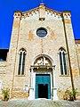 Facciata della chiesa di Sant'Elena.jpg
