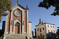 Church of San Paolo Apostolo and the town hall (Casa del Castello) in Faetano