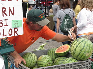 Farmers' market - A farmers' market in Lansing, Michigan, United States in autumn.