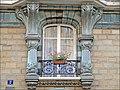 Fenêtre dun immeuble art nouveau (4819878619).jpg