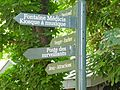 Fingerpost in Jardin du Luxembourg. July 9, 2009.jpg