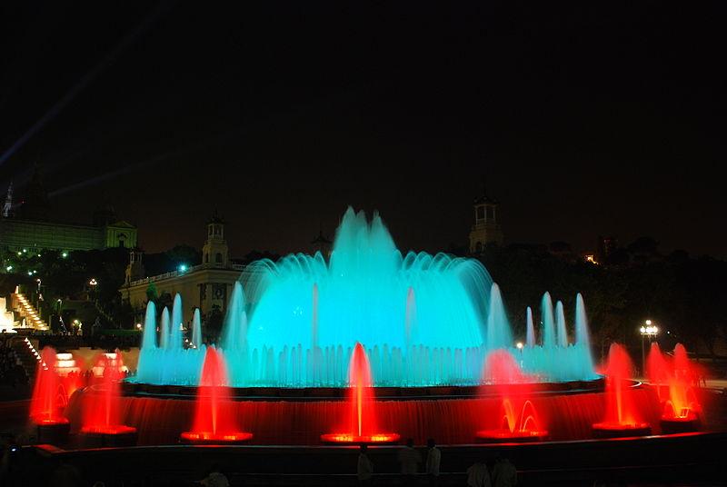 La Fuente de Montjuïc ofrece un espectáculo de música, luz y agua especial estas Navidades.