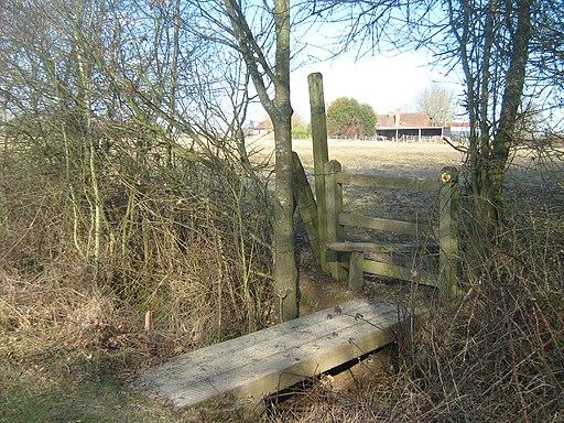 Footbridge and stile near Belcot Manor Farm - geograph.org.uk - 1742347
