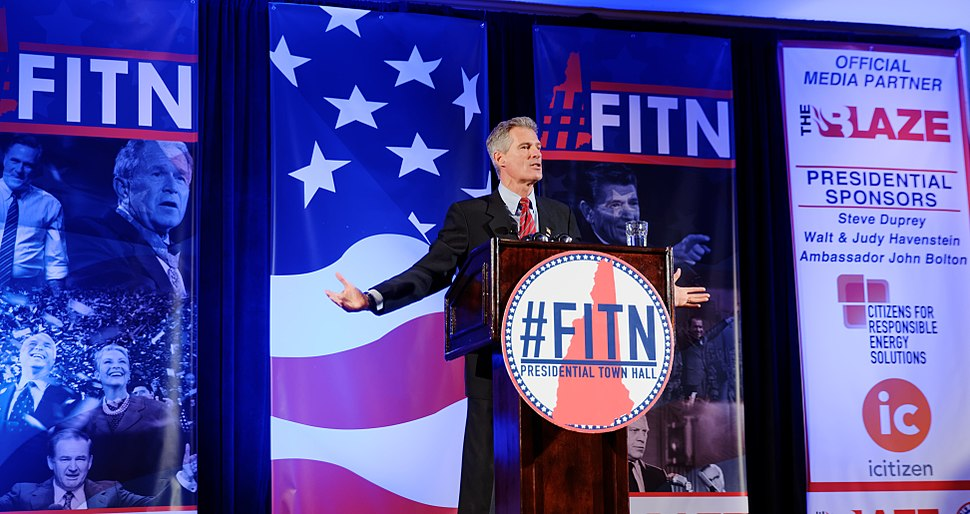 Former U.S. Senator Scott Brown speaking at the 2016 First in the Nation (FITN) Town Hall hosted by the New Hampshire Republican Party