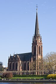 Frankfurt Am Main-Dreikoenigskirche vom Mainkai-20110408.jpg