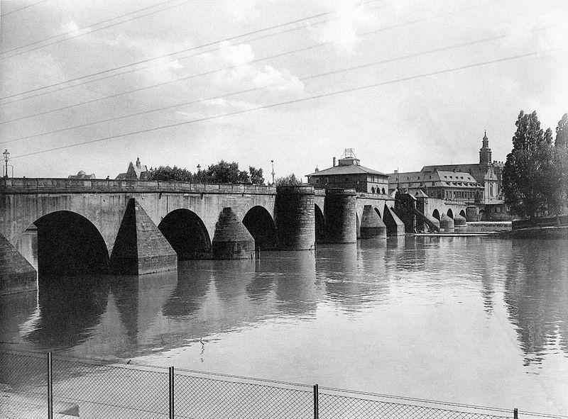 File:Frankfurt Am Main-Fay-BADAFAMNDN-Heft 26-Nr 308-1911-Bruecke von Frankfurt gesehen.jpg