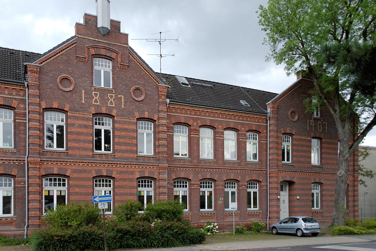 file franz boehm schule in duesseldorf gerresheim von wikimedia commons. Black Bedroom Furniture Sets. Home Design Ideas