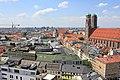 Frauenkirche to the right - panoramio.jpg