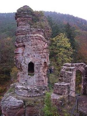 Château de Frœnsbourg - Part of the ruins