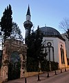Fuad Paşa Camii in der Klodfarer Caddesi - panoramio.jpg