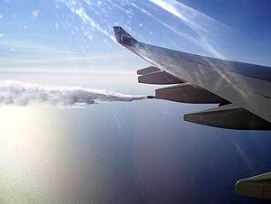 Fuel dumping - Fuel dumping of an Airbus A340-600 above the Atlantic Ocean near Nova Scotia