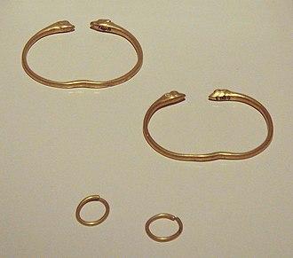 Galatia - Image: Galatian bracelets and earrings 3rd century BCE Bolu Hidirsihlar tumulus