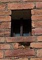 Galler på fönster av alla storlekar (9350356527).jpg