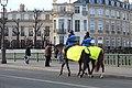 Gendarmes Cheval Pont Sully Paris 1.jpg