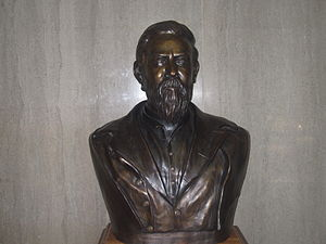 John Gregg (CSA) - Bust of General Gregg, who appears older than his thirty-six years, at entrance to the courthouse at his namesake Gregg County in Longview, Texas