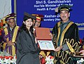 Ghulam Nabi Azad presented degree to the students, at the Foundation Day Celebrations of the Post Graduate Institute of Medical Education & Research, Dr. RML Hospital, New Delhi, in New Delhi on March 05, 2013.jpg